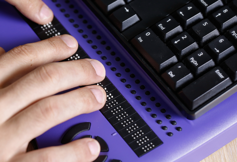 special keyboard for those with sight disabilities